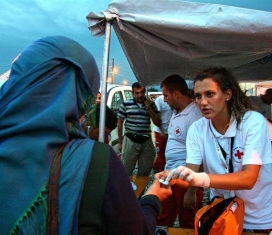 Subministrament de menjar de la Creu Roja a camps de Grècia: Font: Instagram