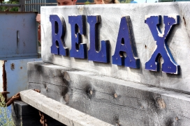 Relax. Font: Oldies Marketplace (Flickr)