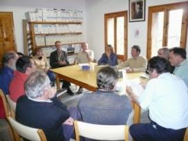 Les entitats ambientals en una reunió per la defensa de l'Obaga de Carboners, al 2008 (imatge:amicsdelsarbres)