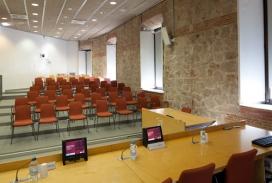 Els debats i les taules rodones tindran lloc a la sala de graus Albert Calsamiglia de la UPF. Font: UPF