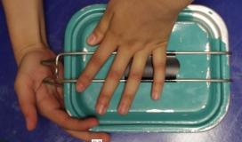 Mans tancant carmanyola