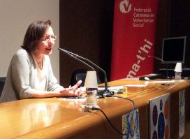 La política Montserrat Tura a la III Jornada de voluntariat i salut a Girona