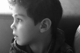 El fill de Jordi Méndez, qui ha impulsat el repte per investigar la malaltia minoritària de Duchenne. Font: Migranodearena.org