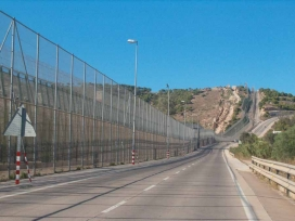 Tanca de Ceuta a Melilla.