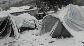Tendes de campanya a Mòria cobertes per la neu. Font: Twitter