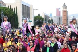Trobada solidària de colles geganteres, a Barcelona. Font: Plana web de Les Gegantes amb Tu