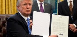 Trump va signar una Llei discriminatòria amb les persones refugiades.
