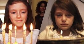 Dos fotogrames diferents del vídeo de Save the Children