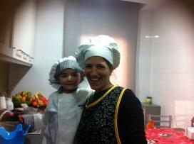 El voluntariat domiciliari dóna suport i companyia als infants perquè així les famílies puguin tenir espais de descàrrega. (Font: Enriqueta Villavecchia)