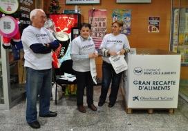 Voluntaris del Gran Recapte 2011 a Barcelona. Font: Banc dels Aliments (flickr)