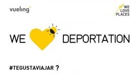 Imatge de protesta contra Vueling i la política de deportacions.