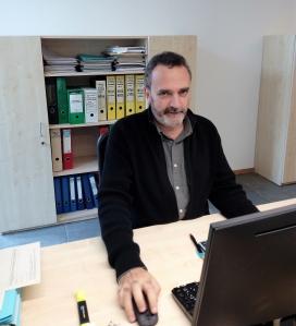 Xavier Planas a les oficines de la Fundació Catalana de l'Esplai. Font: Júlia Hinojo