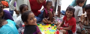 projecte de joguines per a infants desfavorits de la India