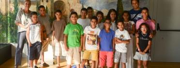 Nens i joves participants del programa Vacances en pau / Font: SCAPS