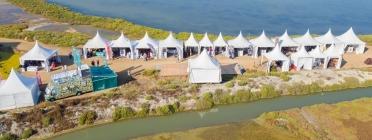 El Delta Birding Festival agrupa un gran nombre d'entitats ambientals, professionals i aficionats a l'ornitologia, l'estudi dels ocells. Font: Delta Birding Festival