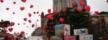 Enlairament de globus a la Plaça dels Somnis del Tibidabo.