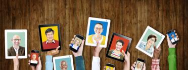 Dispositius mòbils. Imatge de l'Informe anual 2016 de Telecentre Europe