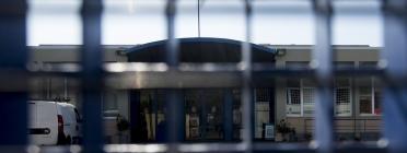 Denuncien la doble condemna que s'aplica a les persones tancades al CIE