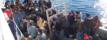 Refugiats creuant el mediterrani
