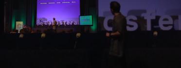 Una activitat de La Catòsfera a l'auditori Josep Irla de Girona. Font: La Catòsfera