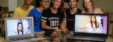 UNICEF denuncia que almenys dos adolescents de cada classe pateixen ciberassetjament Font: UNICEF