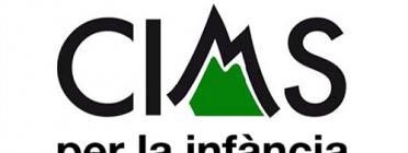El logotip de Cims per la infància, de Fundesplai