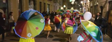 Espectacle itinerant en el marc del projecte ARTiPART al barri del Raval