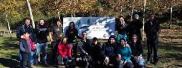 Adenc comença una campanya d'apadrinament d'arbre pel riu Ripoll (imatge: apadrinamentfesreviureelripoll)
