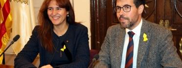 La consellera Borràs i l'alcalde de La Seu, Albert Batalla (Foto: Marta Lluvich/ACN)