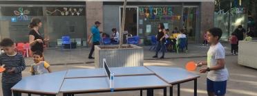 Jugant a tenis de taula