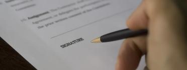 Signatura conveni. Font: Pixabay