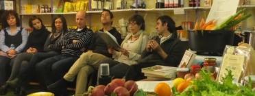 Taller a la Cooperativa Cydonia sobre alimentació ecològica. Font: Cydonia