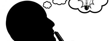 Home pensant en tenir idees creatives. Font: Pixabay