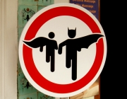 superheroes crossing - Font: Flickr_Brett Jordan