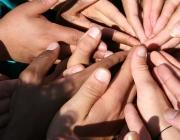 Foto: Spiral of hands de Lostintheredwoods, Flickr