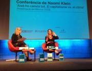 Naomi Klein a la conferència al CCCB, 27/03/15 (imatge: 350.org)