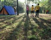 Membres de l'AEiG Montpalau de Pineda juguen durant uns campaments. Foto: MEG