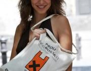 """L'actriu AÍna Clotet, imatge de la campanya """"Catalunya lliure de bosses"""" (imatge:residusiconsum.org)"""