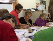 Curs d'alfabetització a la Fundació Marianao. Fotograma del documental