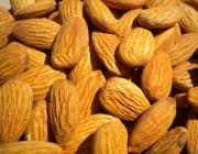 Almonds_HealthAliciousNess_Flickr