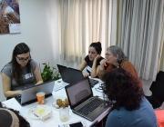 Diversos grups de dones han participat activament en l'objectiu.