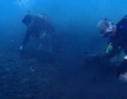 Submarinistes de Vanas Dive en una neteja del fons marí a Barcelona