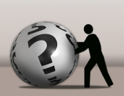 Imatge home i bola amb interrogants. Font: Pixabay