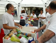 Recollida d'aliments de la Creu Roja