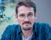"""L'Àlex Santaló és l'autor del còmic """"17, vivir, revivir, sobrevivir""""."""