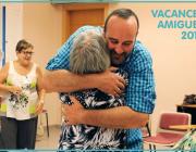 """Amics de la Gent Gran necessita voluntaris/es per a les """"Vacances Amigues"""""""