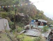 Destrosses a les cases de Langtang