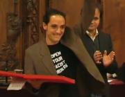 David Zorrakino, en el moment de recollir el premi. Font: BTV