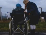 L'objectiu és cercar solucions a les dificultats d'accés a la feina i la precarietat laboral que pateixen les persones amb discapacitat. Font: Unsplash.