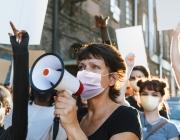Les persones treballadores tenen dret a ser representades a les empreses i, per tant, a les entitats. Font: Freepik.
